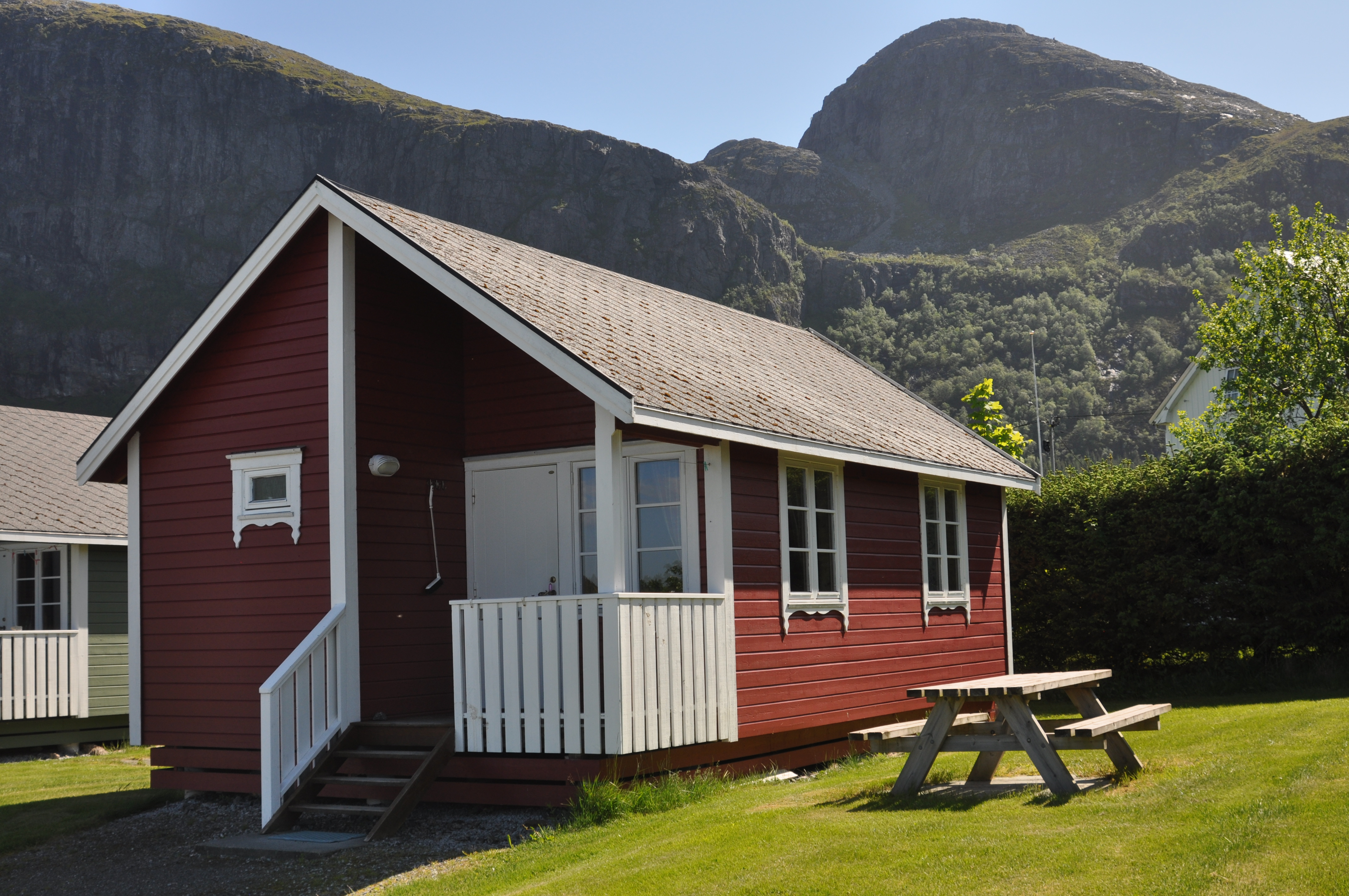 Stor hytte (rød)